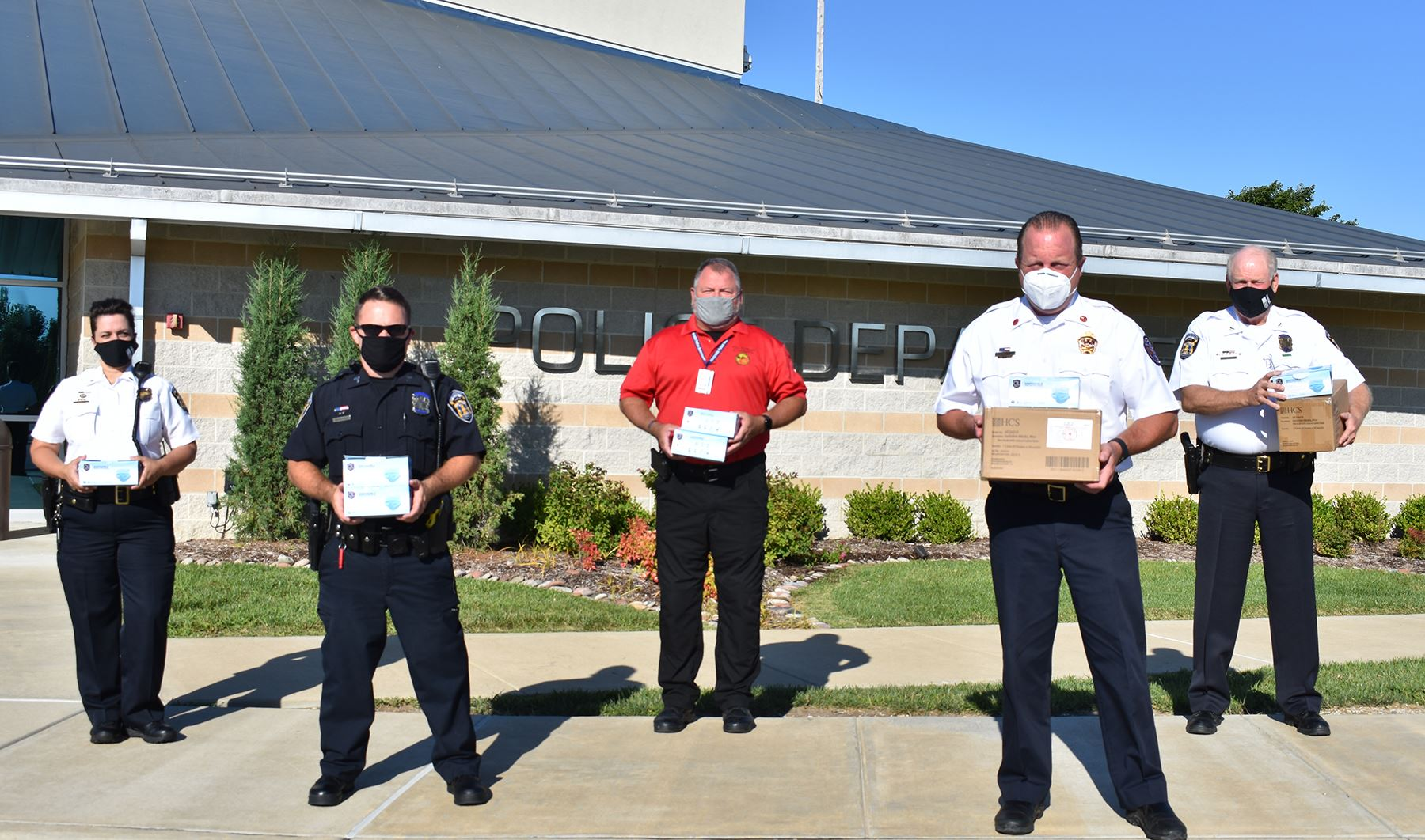 Wentzville first responders receive mask donations from GM